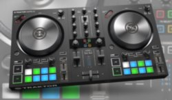 Контроллер Native Instruments Traktor Kontrol S2 MK3